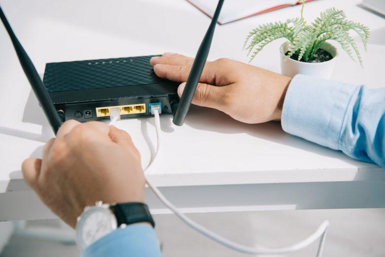 モデム ドコモ 光 ドコモ光ルーターの選び方と接続方法は!相性がいいおすすめ5選も!